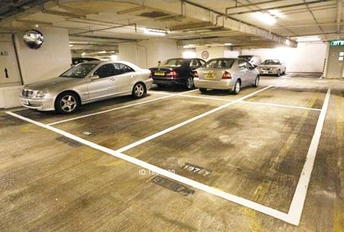La oferta de estacionamientos en arriendo publicada en Portalinmobiliario.com